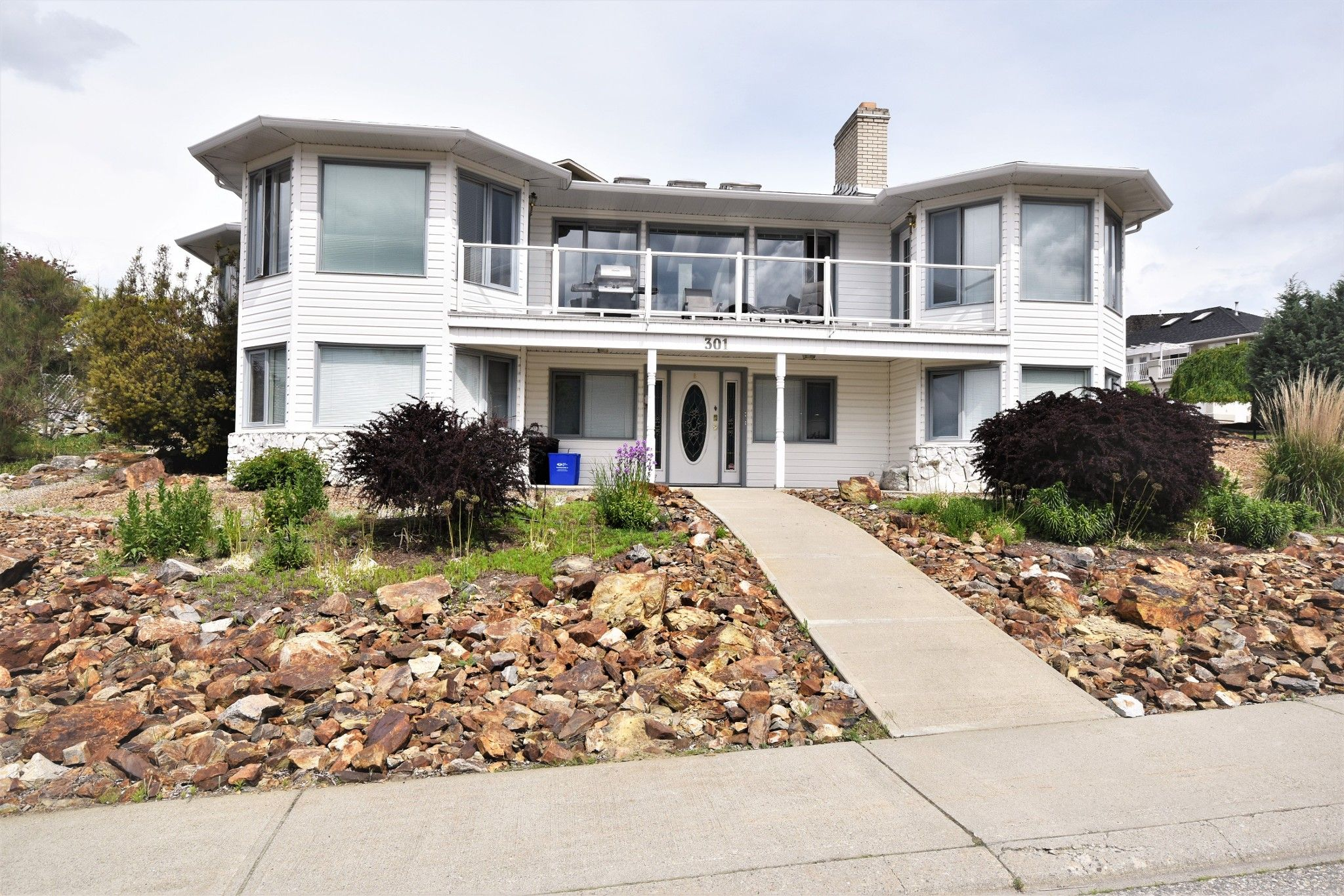 Main Photo: 301 Sunshine Place in Vernon: Foothills House for sale (North Okanagan)  : MLS®# 10150760