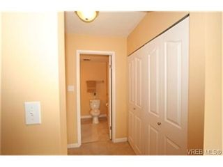 Photo 8: 203 853 Selkirk Ave in VICTORIA: Es Kinsmen Park Condo for sale (Esquimalt)  : MLS®# 464020