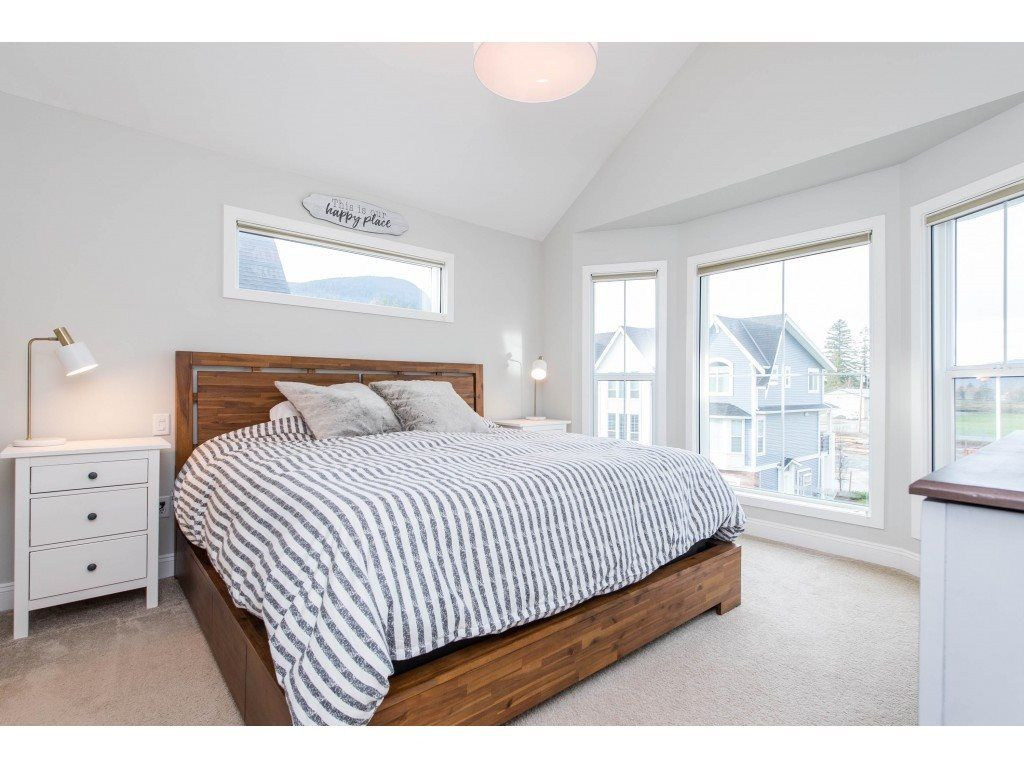 """Photo 19: Photos: 5488 DRIFTWOOD Street in Chilliwack: Vedder S Watson-Promontory Condo for sale in """"WEBSTER CROSSING"""" (Sardis)  : MLS®# R2527096"""