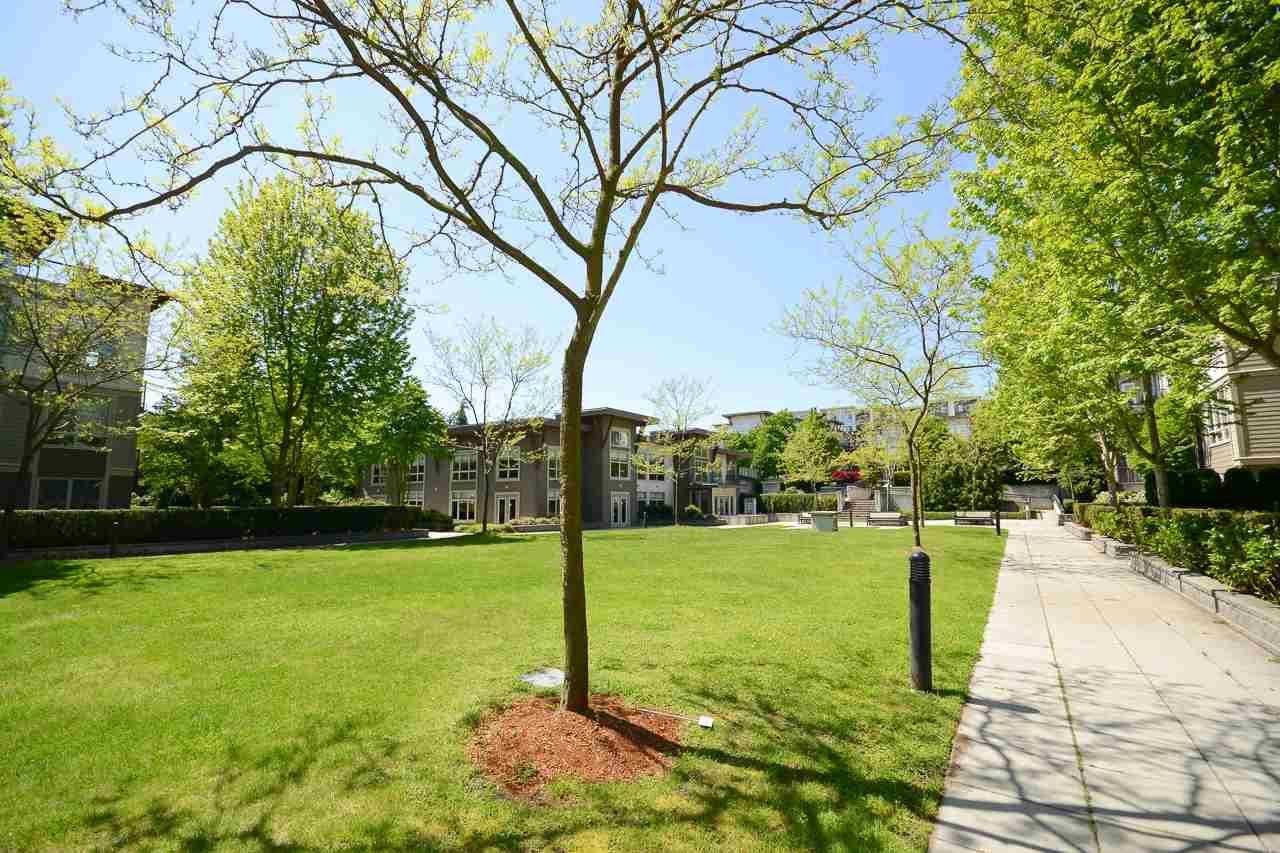 """Photo 14: Photos: 405 15988 26 Avenue in Surrey: Grandview Surrey Condo for sale in """"THE MORGAN"""" (South Surrey White Rock)  : MLS®# R2276141"""