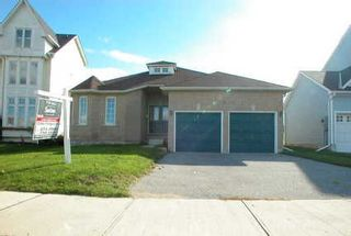 Photo 1: 41 Royal Amber Crest in MOUNT ALBERT: House (Bungalow) for sale : MLS®# N1003527