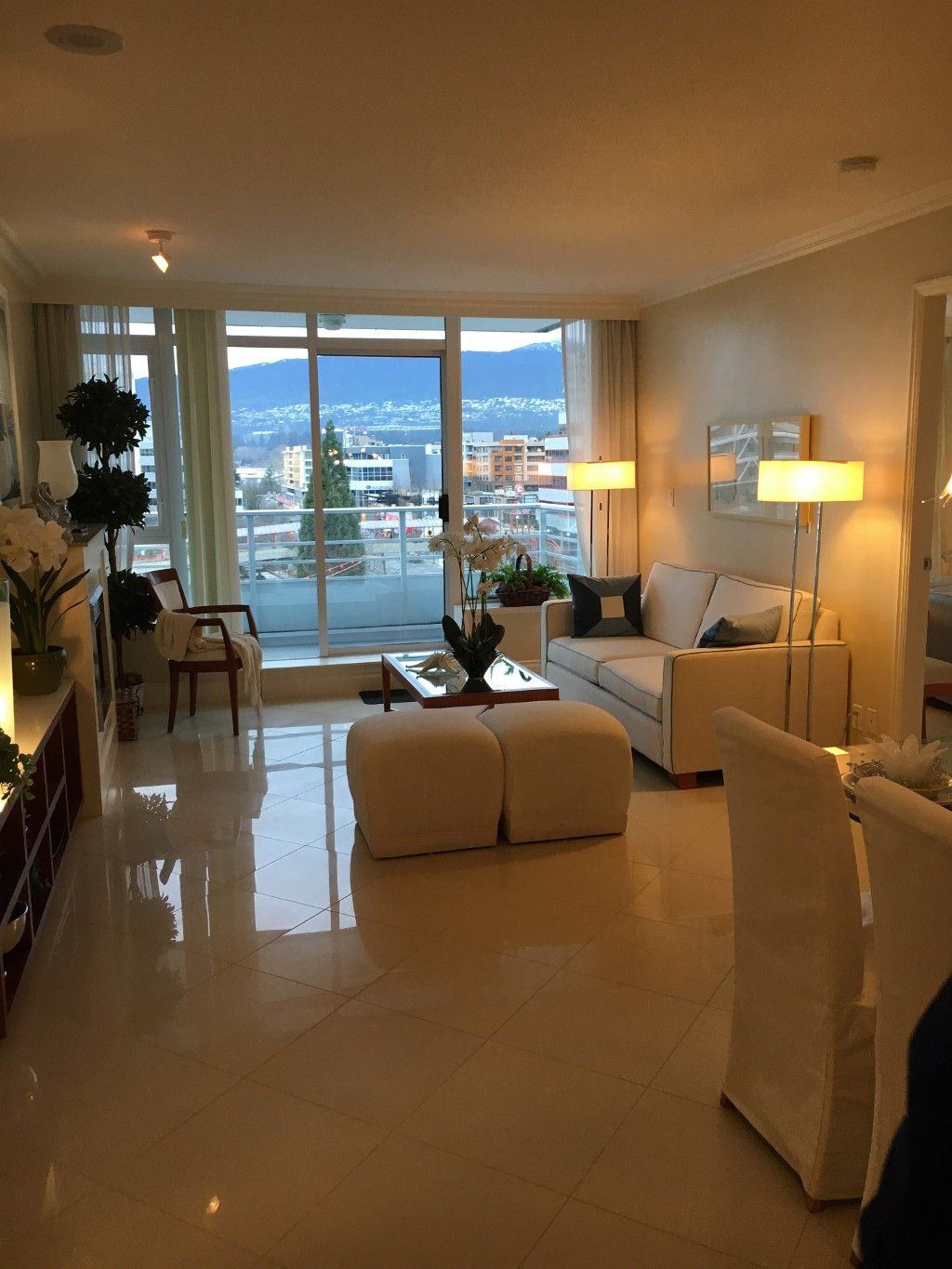Main Photo: 604 133 E Esplanade Street in North Vancouver: Lower Lonsdale Condo for sale