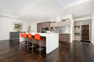 Photo 4: 202 181 ATHLETES Way in Vancouver: False Creek Condo for sale (Vancouver West)  : MLS®# R2615013