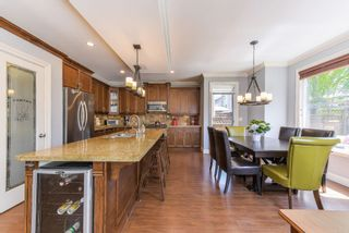 """Photo 4: 17908 71A Avenue in Surrey: Cloverdale BC House for sale in """"Provincton"""" (Cloverdale)  : MLS®# R2374811"""