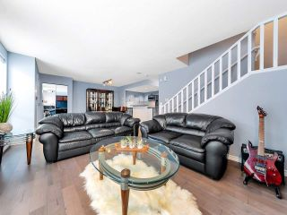 "Photo 5: 933 HOMER Street in Vancouver: Yaletown Townhouse for sale in ""THE PINNACLE"" (Vancouver West)  : MLS®# R2562224"