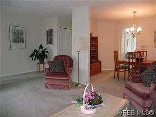 Photo 15: 14 2560 Wilcox Terr in VICTORIA: CS Tanner Row/Townhouse for sale (Central Saanich)  : MLS®# 588799