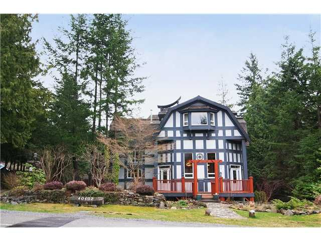 Main Photo: 40402 SKYLINE Drive in Squamish: Garibaldi Highlands House for sale : MLS®# V959450