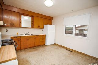 Photo 10: 353 Montreal Avenue South in Saskatoon: Meadowgreen Residential for sale : MLS®# SK864206