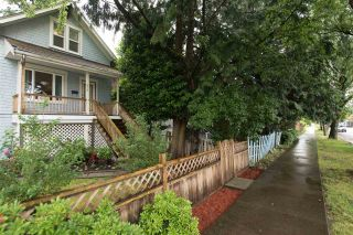 Photo 2: 632 E 20TH Avenue in Vancouver: Fraser VE House for sale (Vancouver East)  : MLS®# R2117821