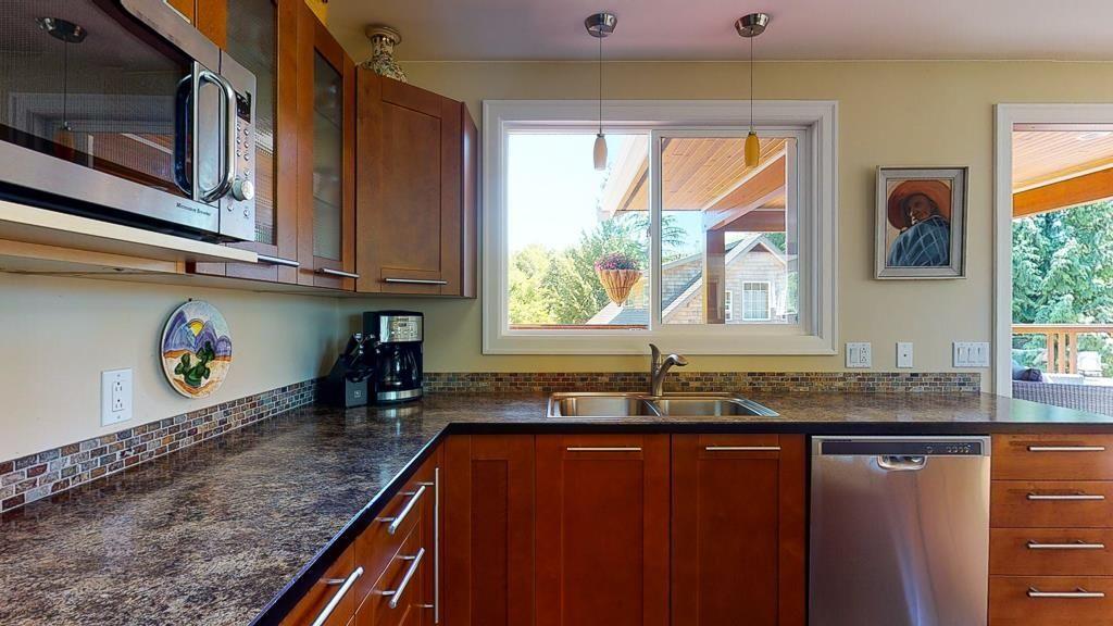 Photo 6: Photos: 5740 NICKERSON Road in Sechelt: Sechelt District House for sale (Sunshine Coast)  : MLS®# R2597486