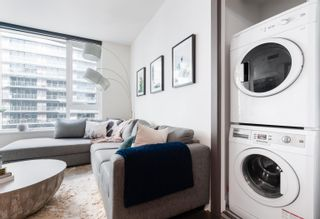 """Photo 6: 1518 68 SMITHE Street in Vancouver: Downtown VW Condo for sale in """"ONE PACIFIC"""" (Vancouver West)  : MLS®# R2618128"""