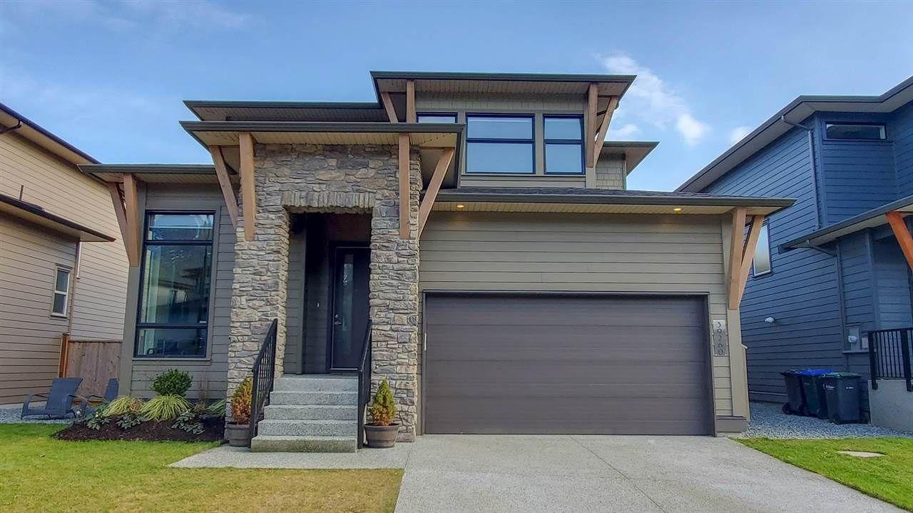 "Main Photo: 39260 CARDINAL Drive in Squamish: Brennan Center House for sale in ""Brennan Center"" : MLS®# R2545288"