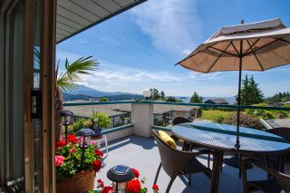 "Photo 1: 8 554 EAGLECREST Drive in Gibsons: Gibsons & Area Townhouse for sale in ""Georgia Mirage"" (Sunshine Coast)  : MLS®# R2474537"