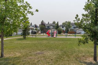 Photo 2: 127 Somerside Grove SW in Calgary: Somerset Detached for sale : MLS®# A1134301