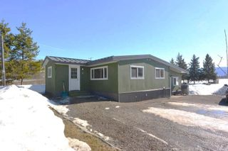 """Photo 1: 7255 WOODMERE Road in Smithers: Smithers - Rural Manufactured Home for sale in """"WOODMERE"""" (Smithers And Area (Zone 54))  : MLS®# R2438178"""