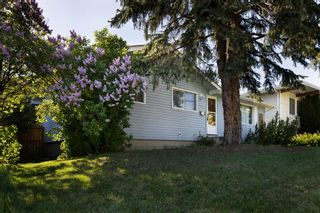 Main Photo: 3311 24 Street NW in Calgary: Charleswood Detached for sale : MLS®# A1102793