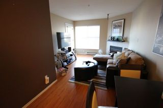"""Photo 7: 404 509 CARNARVON Street in New Westminster: Downtown NW Condo for sale in """"HILLSIDE PLACE"""" : MLS®# R2226244"""