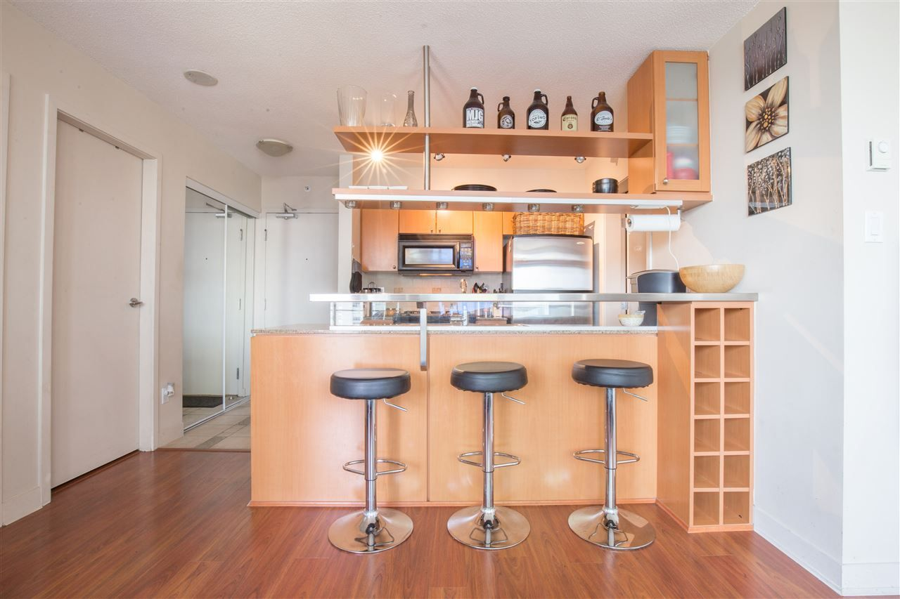 "Photo 11: Photos: 2507 1438 RICHARDS Street in Vancouver: Yaletown Condo for sale in ""AZURA ONE"" (Vancouver West)  : MLS®# R2394996"