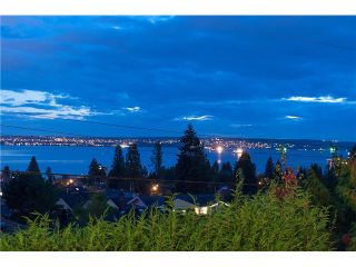 Photo 9: 1136 Mathers Av in West Vancouver: Ambleside House for sale : MLS®# V1090869