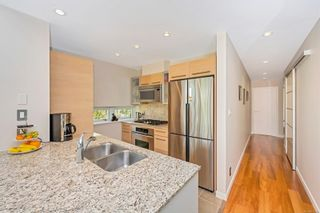 Photo 10: 401 68 Songhees Rd in : VW Songhees Condo for sale (Victoria West)  : MLS®# 875330