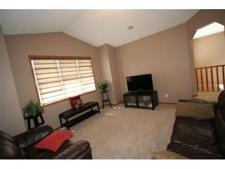 Photo 9: 107 CRESTMONT Drive SW in : Crestmont Residential Detached Single Family for sale (Calgary)  : MLS®# C3471222
