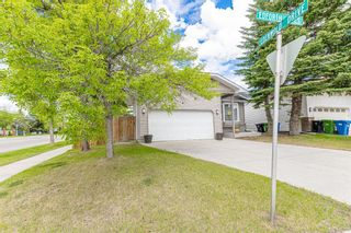 Photo 2: 24 Edforth Crescent NW in Calgary: Edgemont Detached for sale : MLS®# A1117288