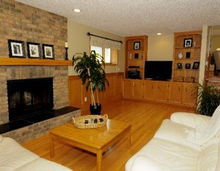 Photo 10: 339 SHAWNESSY Drive SW in CALGARY: Shawnessy Residential Detached Single Family for sale (Calgary)  : MLS®# C3401146
