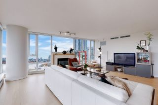 Photo 5: 1602 8 SMITHE Mews in Vancouver: Yaletown Condo for sale (Vancouver West)  : MLS®# R2518054