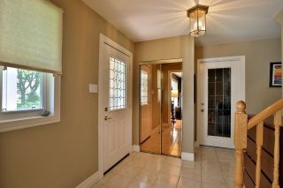 Photo 2: 1334 Glen Rutley Circle in Mississauga: Applewood House (2-Storey) for sale : MLS®# W3827451