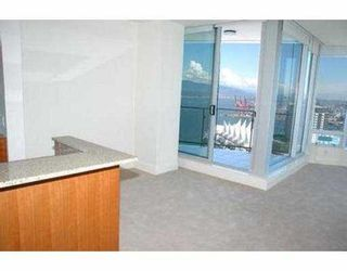 """Photo 5: 2704 1077 W CORDOVA ST in Vancouver: Coal Harbour Condo for sale in """"SHAW TOWER"""" (Vancouver West)  : MLS®# V537380"""