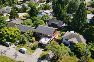 """Photo 36: 723 DOGWOOD & BLACKBERRY LANE Road in Gibsons: Gibsons & Area House for sale in """"Bay area"""" (Sunshine Coast)  : MLS®# R2593511"""