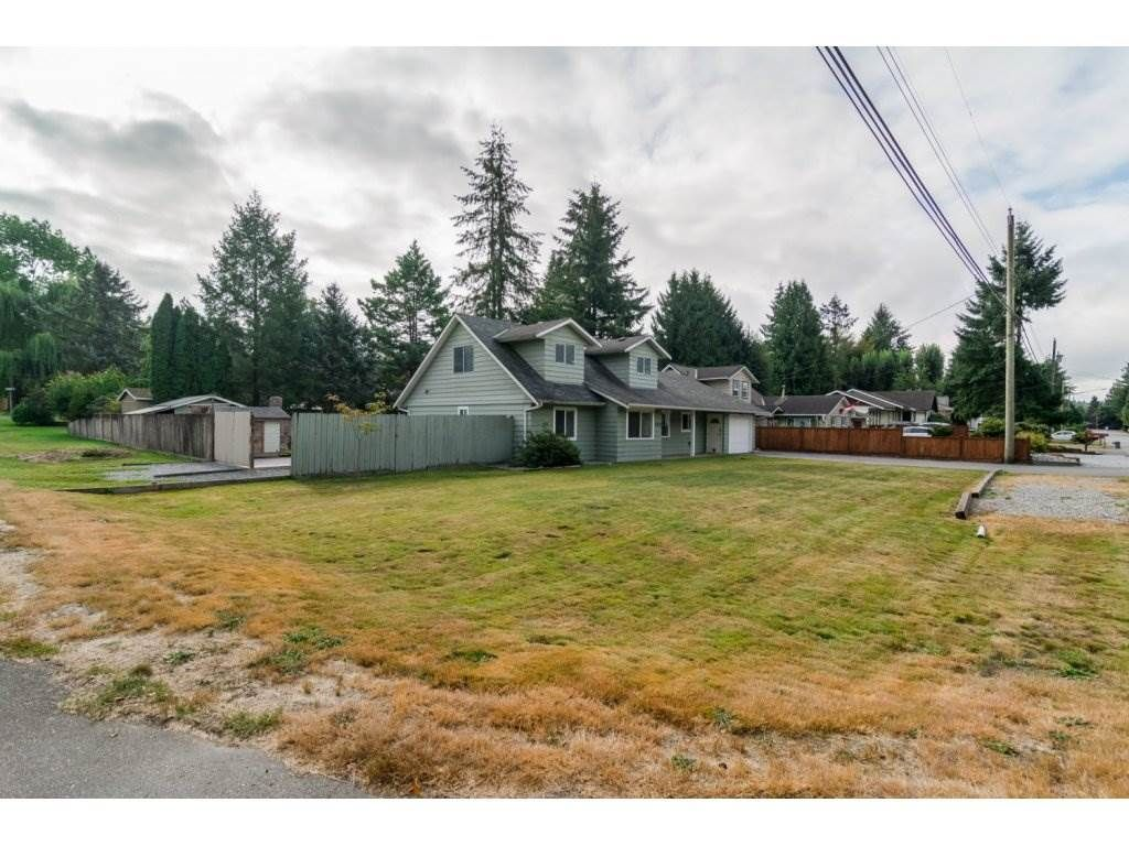 Photo 2: Photos: 9058 WRIGHT Street in Langley: Fort Langley House for sale : MLS®# R2104173