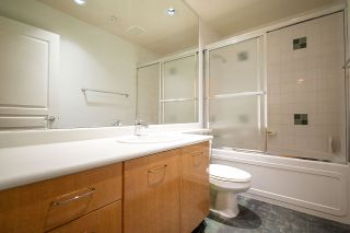 """Photo 15: 2270 REDBUD Lane in Vancouver: Kitsilano Townhouse for sale in """"ANSONIA"""" (Vancouver West)  : MLS®# R2508791"""