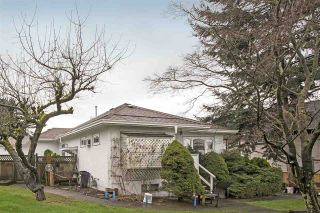 Photo 1: 241 BLUE MOUNTAIN Street in Coquitlam: Maillardville House for sale : MLS®# R2253258
