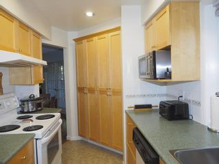 """Photo 9: 214 2320 W 40TH Avenue in Vancouver: Kerrisdale Condo for sale in """"MANOR GARDENS"""" (Vancouver West)  : MLS®# R2061277"""