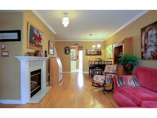 """Photo 2: 2 15432 16A Avenue in Surrey: King George Corridor Townhouse for sale in """"Carlton Court"""" (South Surrey White Rock)  : MLS®# F1449185"""