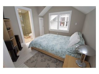 """Photo 8: 2356 CHARLES Street in Vancouver: Grandview VE House for sale in """"COMMERCIAL DRIVE"""" (Vancouver East)  : MLS®# V826451"""