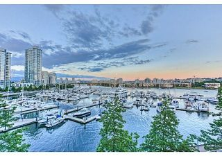 Photo 5: 201 1228 MARINASIDE CRESCENT in Vancouver: Yaletown Condo for sale (Vancouver West)  : MLS®# R2128055