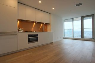 Photo 3:  in Vancouver: Downtown Condo for rent : MLS®# AR133