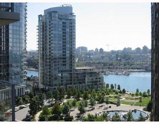 "Photo 8: 1003 550 PACIFIC Street in Vancouver: False Creek North Condo for sale in ""AQUA AT THE PARK"" (Vancouver West)  : MLS®# V669105"
