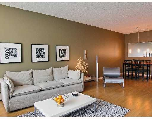 FEATURED LISTING: 104 - 466 8TH Avenue East New_Westminster