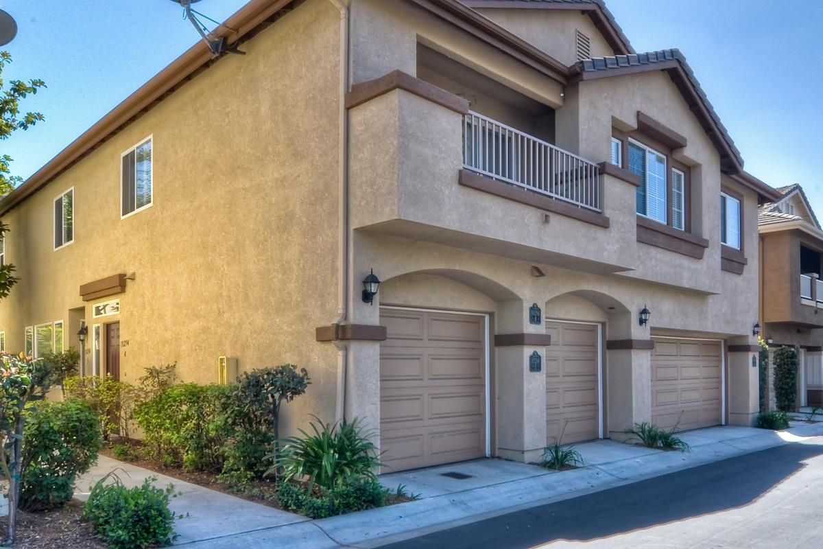 Main Photo: SCRIPPS RANCH Condo for sale : 2 bedrooms : 10294 Scripps Poway Parkway #5 in San Diego