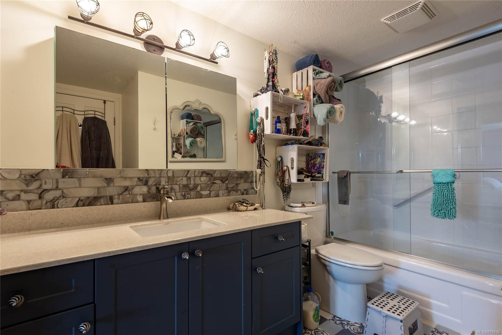 Photo 18: Photos: 219 390 S Island Hwy in : CR Campbell River West Condo for sale (Campbell River)  : MLS®# 879696