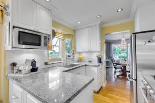"""Photo 8: 9264 GOLDHURST Terrace in Burnaby: Forest Hills BN Townhouse for sale in """"Copper Hill"""" (Burnaby North)  : MLS®# R2287612"""