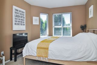 "Photo 15: 302 9018 208 Street in Langley: Walnut Grove Condo for sale in ""Cedar Ridge"" : MLS®# R2478634"
