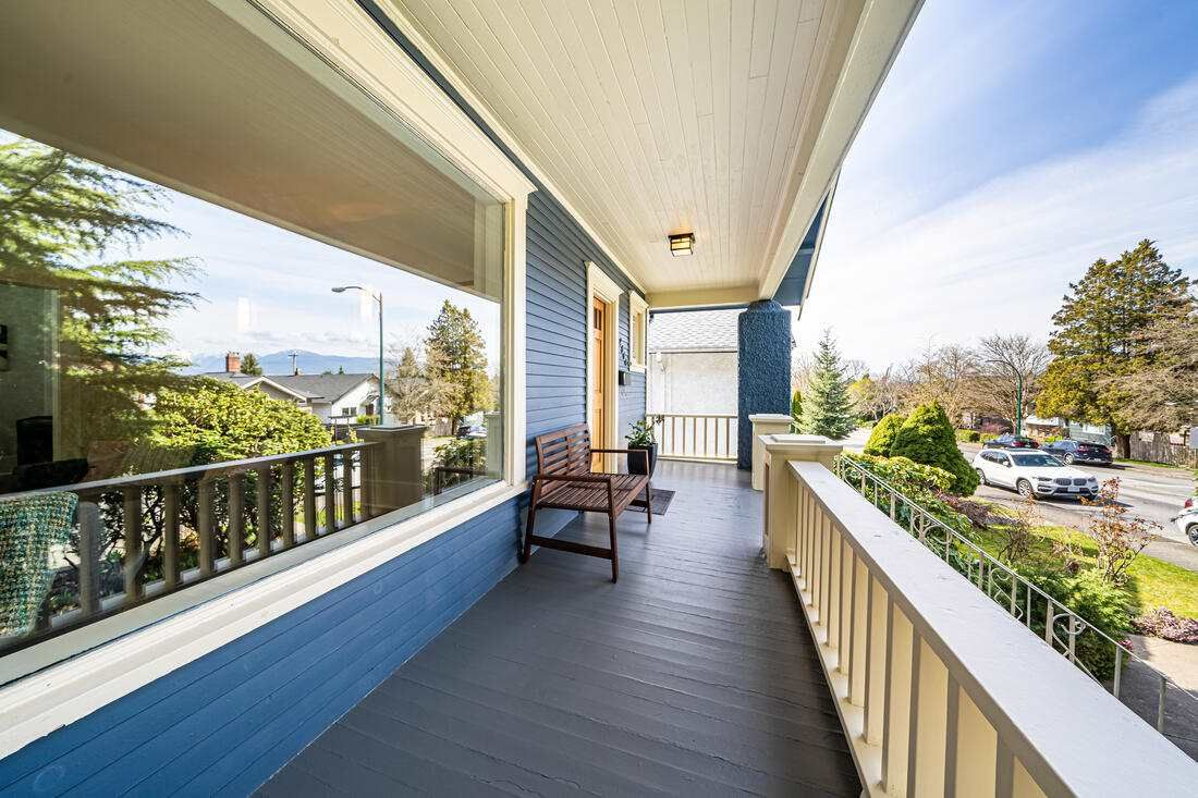 Photo 3: Photos: 2566 DUNDAS Street in Vancouver: Hastings House for sale (Vancouver East)  : MLS®# R2563281