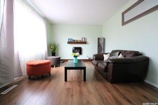 Photo 2: 232 29th Street in Battleford: Residential for sale : MLS®# SK854006