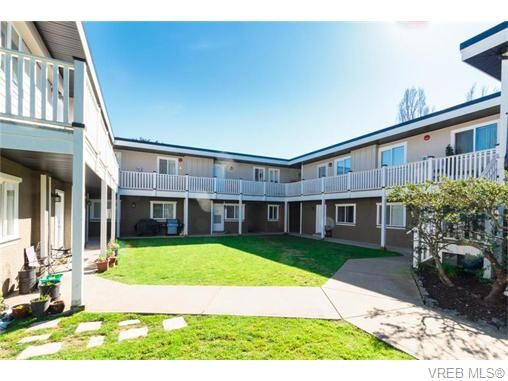 Main Photo: 105 636 Granderson Rd in VICTORIA: La Fairway Condo for sale (Langford)  : MLS®# 745006