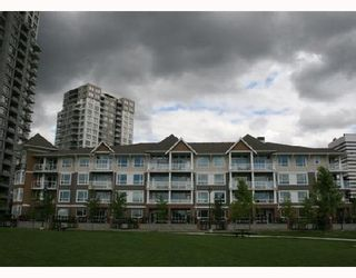 """Photo 3: 304 3551 FOSTER Avenue in Vancouver: Collingwood Vancouver East Condo for sale in """"FINALE"""" (Vancouver East)  : MLS®# V654747"""