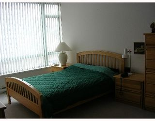 """Photo 6: 140 E 14TH Street in North Vancouver: Central Lonsdale Condo for sale in """"SPRINGHILL PLACE"""" : MLS®# V635846"""